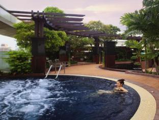 Centara Grand at Central World Hotel Bangkok - Hot Tub