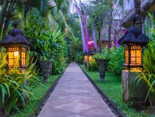 The Mansion Resort Hotel & Spa Bali - Jardín