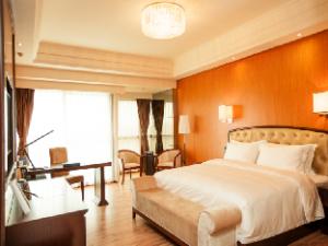 Chengdu Guodong Grand Metro Park Hotel