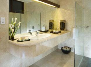 Elephant Safari Park Lodge Hotel Bali - Bathroom