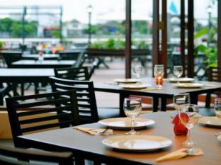 Navalai River Resort Bangkok - Restaurant