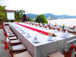 Secret Cliff Resort & Restaurant Phuket - Restaurant