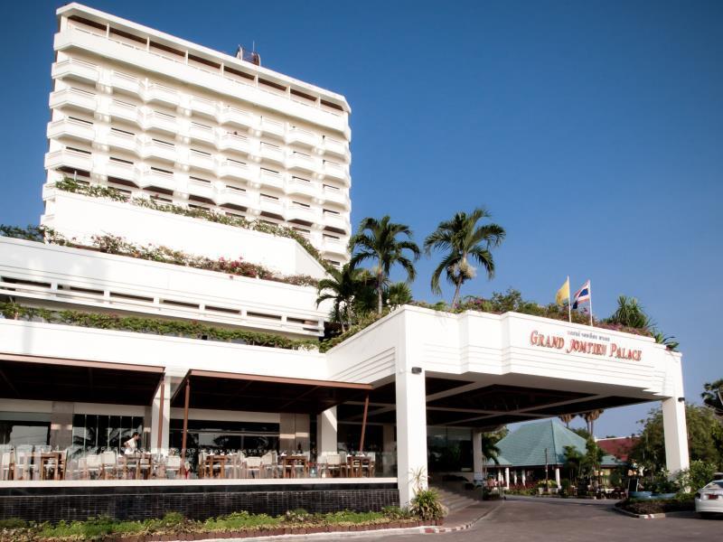 Grand Jomtien Palace Hotel โรงแรมแกรนด์ จอมเทียน พาเลซ