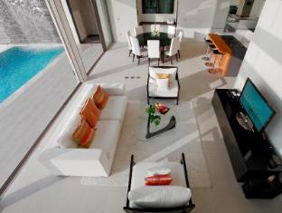 Cape Sienna Phuket Hotel and Villas Phuket - Ocean Front Villa Living
