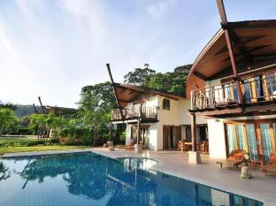 The Village Coconut Island Beach Resort Phuket - 5 Bedroom Grand Beach Front Pool Villa