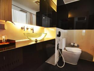 The Heritage Silom Hotel Bangkok - Bathroom