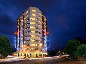 Shiny Ocean Hotel