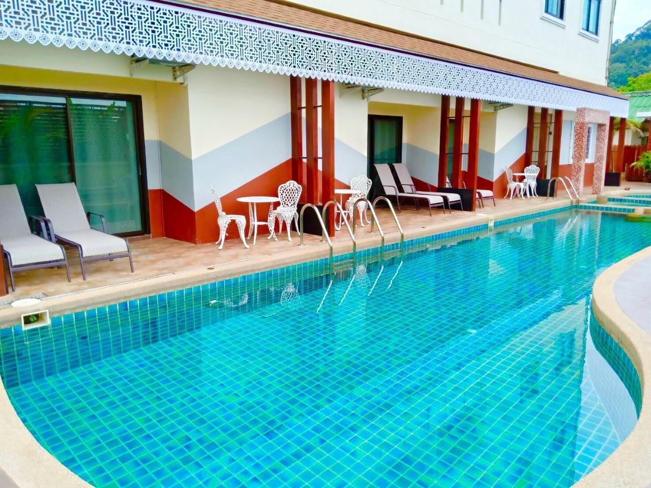 Mei Zhou Hotel โรงแรมเหมยโจวภูเก็ต