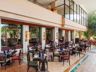 Moevenpick Resort & Spa Karon Beach Phuket Пукет - Ресторант