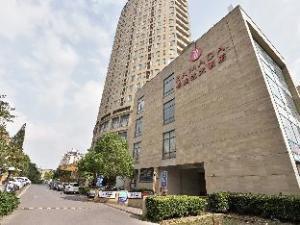 Ramada Shanghai Wujiaochang Hotel