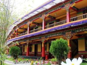 拉萨甲热布通游多多客栈 (Lhasa Jia Re Bu Tong Yododo Hotel)