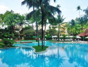 芭東海灘酒店 布吉 - 游泳池
