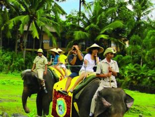 Mara River Safari Lodge Hotel Bali - Elephant Ride