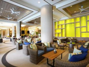 Patong Merlin Hotel Пхукет - Фойє