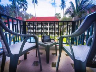 Amora Beach Resort Phuket - Balcony/Terrace