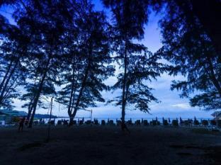 Amora Beach Resort Phuket - Beach