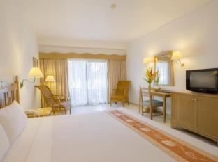 Amora Beach Resort Phuket - Standard Garden View Room