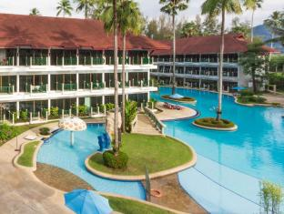 Amora Beach Resort Phuket - Swimming Pool