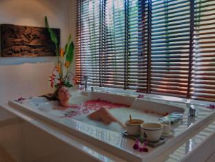 Thara Patong Beach Resort & Spa Phuket - kopališče