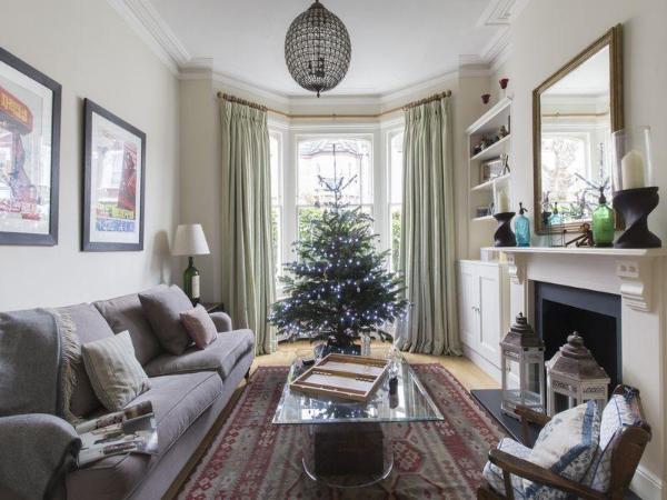 Wembley - Mostyn Gardens Apartment - onefinestay London