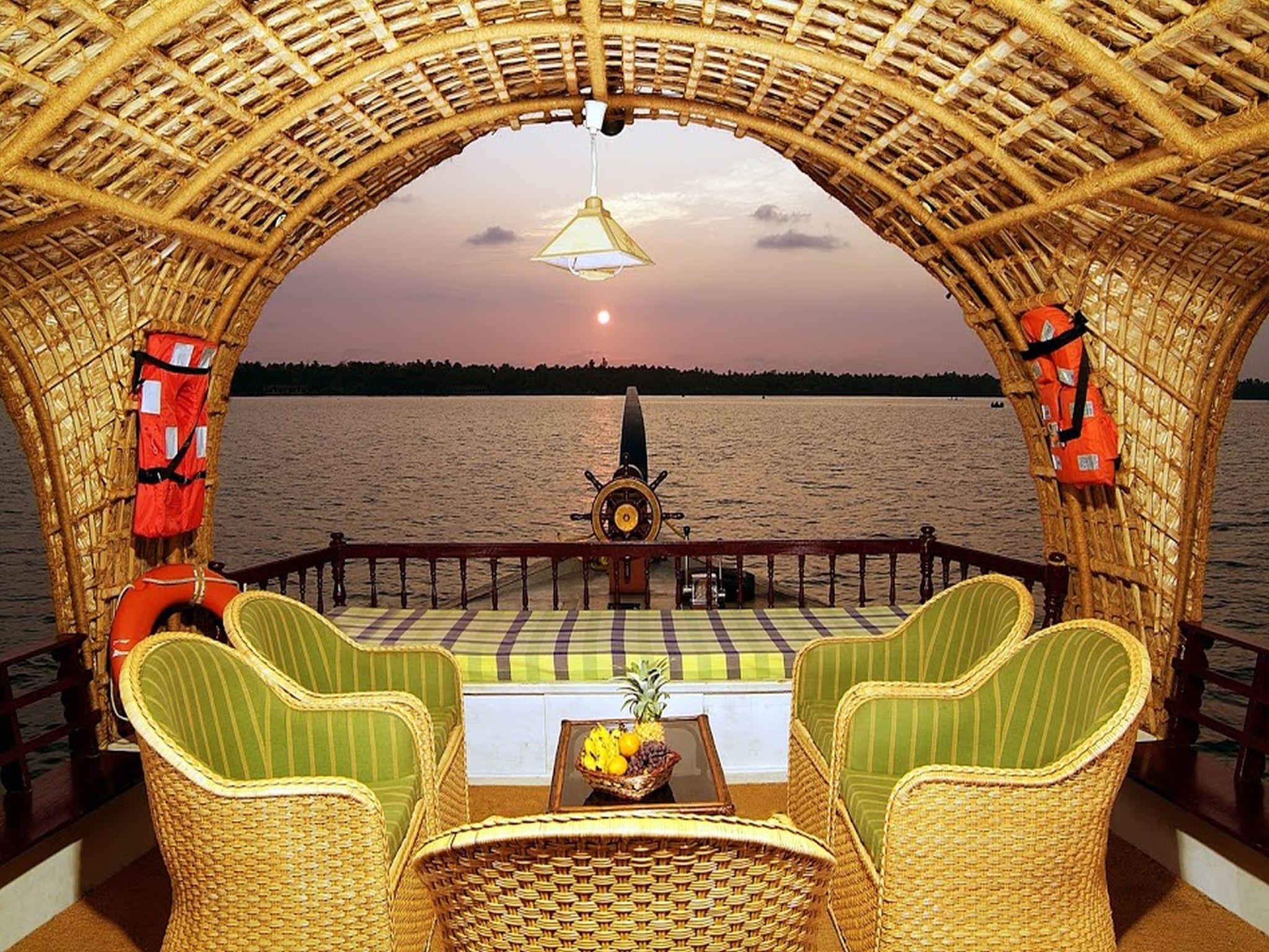 View Kerala Luxury House Boat