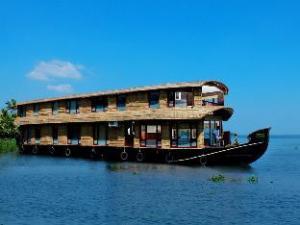 Grand Nirvana Ultra Luxury House Boat