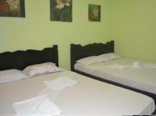 picture 3 of Ellens Resort