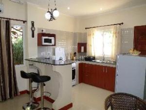 Precious Residence C - Self-catering Studio