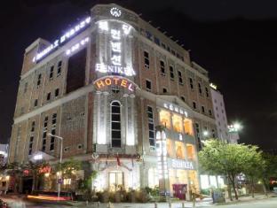 /el-gr/arthall-hotel-benikea/hotel/gwangju-metropolitan-city-kr.html?asq=3o5FGEL%2f%2fVllJHcoLqvjMMOuOcvBCWsd56%2fYkuqFK5uolM%2fz7FhBP0or4Fph3Hsh