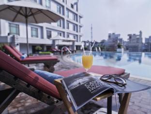 Pullman Hanoi Hotel Hanoi - Outdoor Swimming Pool
