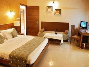 Sun City Resort North Goa - Jacuzzi Suite