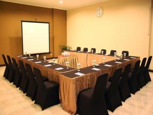 The Majesty Business and Family Hotel Bandung - Meeting Room