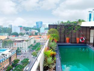 Palace Hotel Saigon Ho Chi Minh City - Swimming Pool