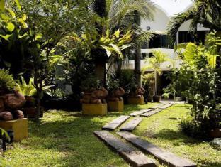 サファリ ビーチ ホテル プーケット - ガーデン