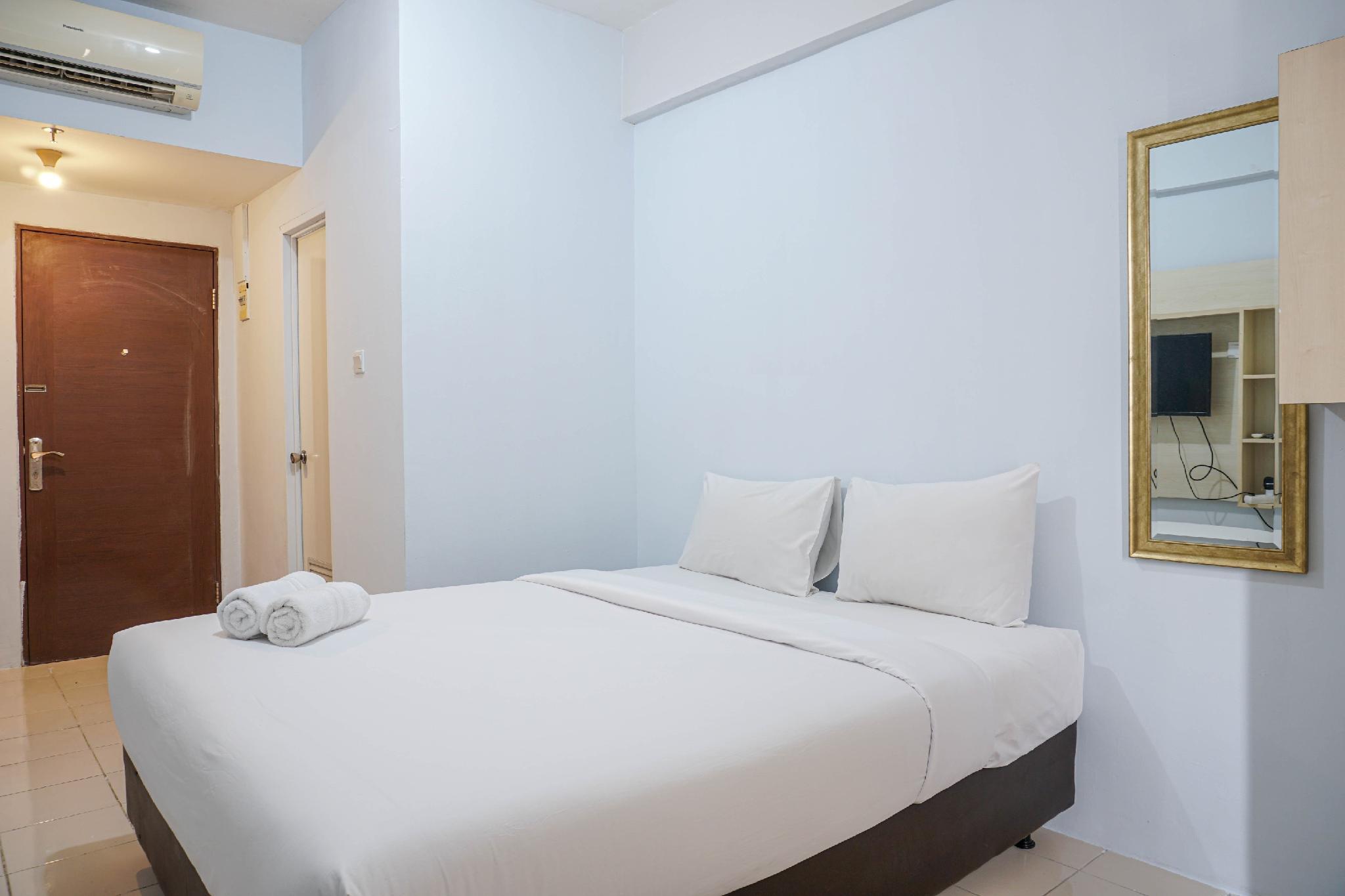 Simple Studio Puri Park View Apartment By Travelio