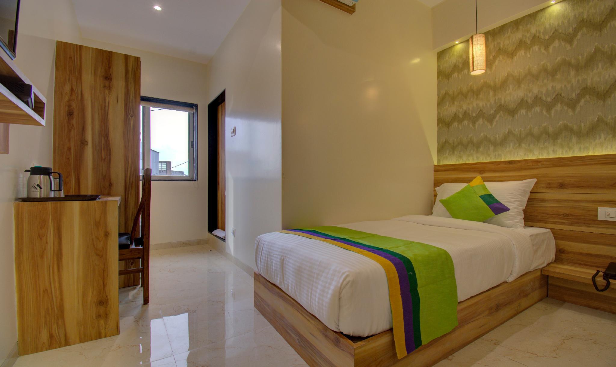 Hotel Amisha International