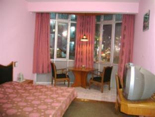Hotel Yak 2