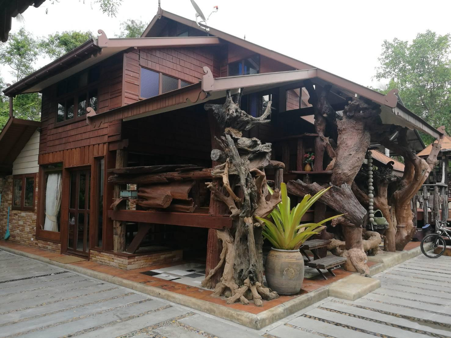 Suankaew Art Cottage (ReuanMhonkaew) 2 ห้องนอน 2 ห้องน้ำส่วนตัว ขนาด 70 ตร.ม. – ศรีราชา
