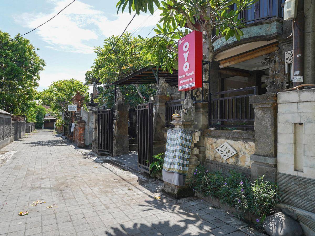 OYO 2321 Griya Shanti Homestay
