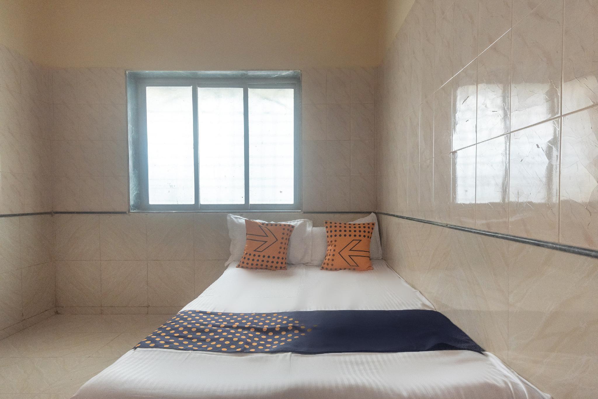 SPOT ON 65396 Shaligram Bhakta Nivas Guest House