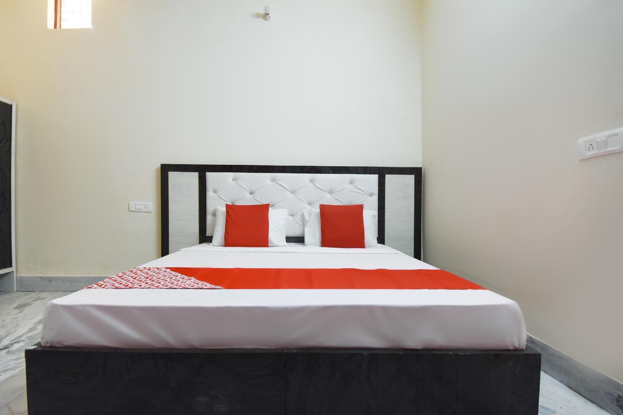 OYO 48981 Hotel Savera