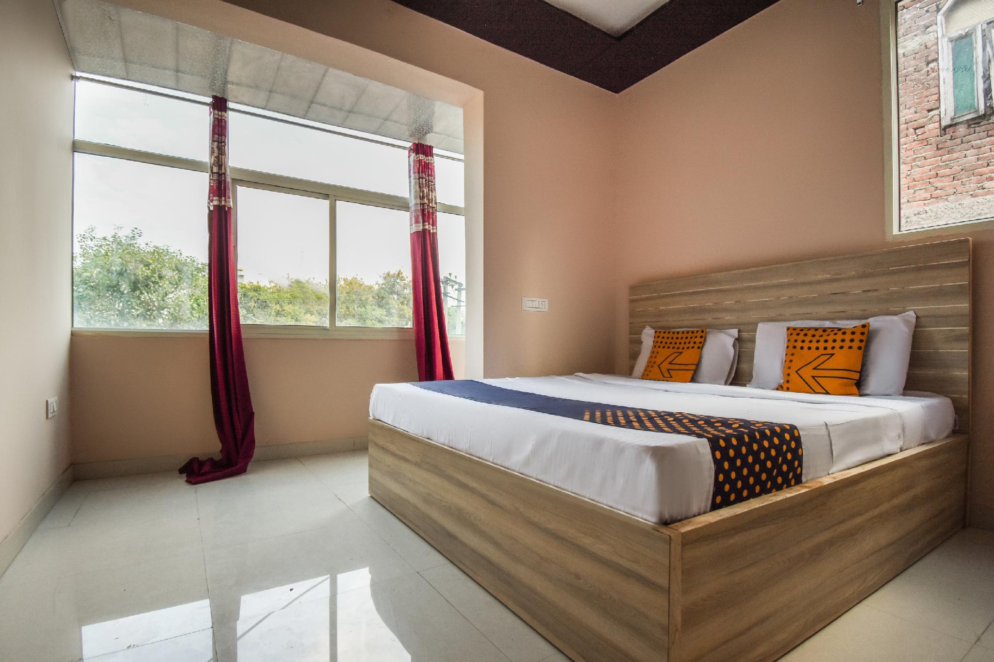SPOT ON 65851 Hotel Hi Tech