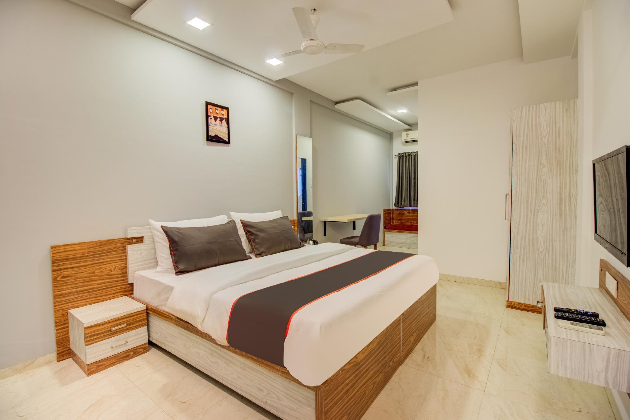 Collection O 50301 Shayadri Cottage