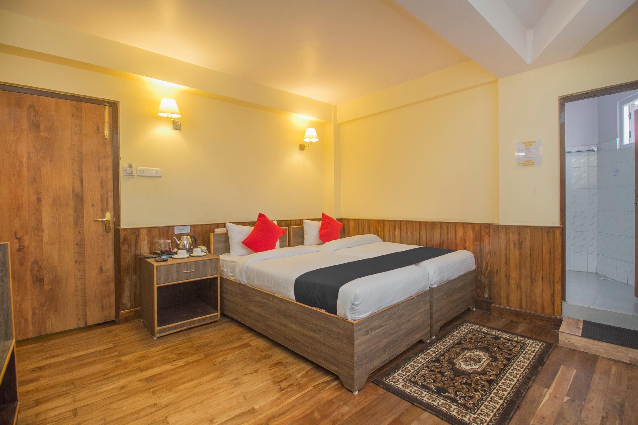 Capital O 66003 Hotel Central Inn