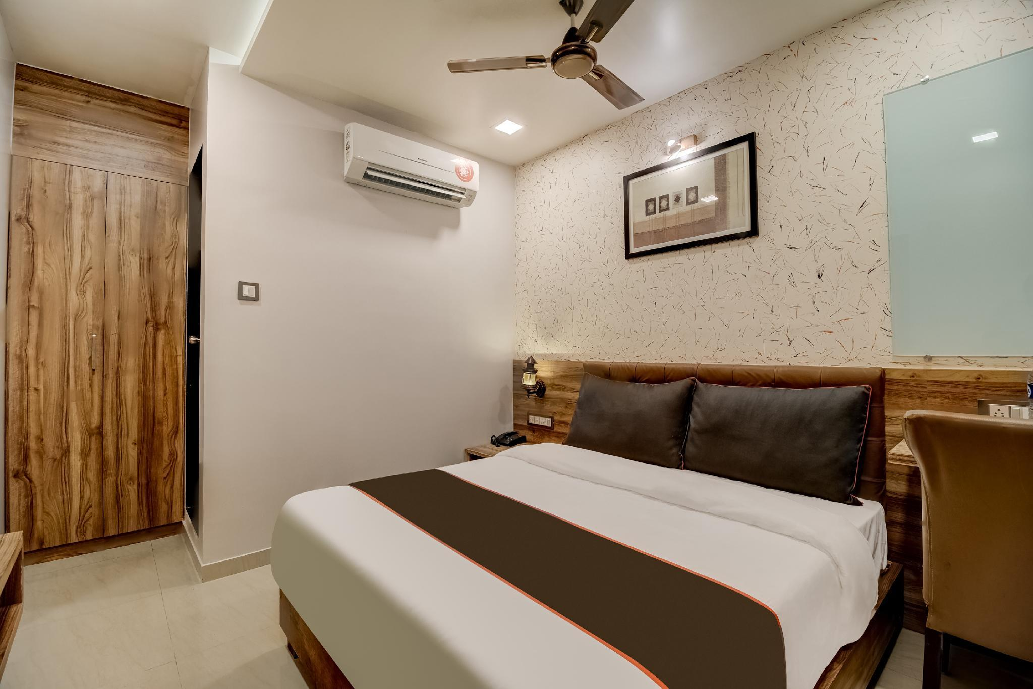 Collection O 50250 Blue Inn Residence