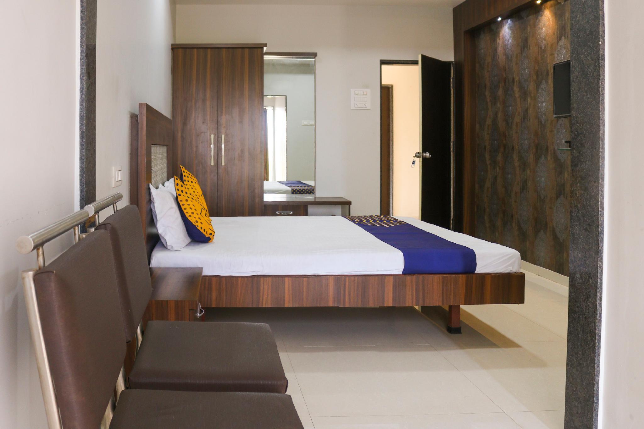 SPOT ON 66122 Hotel Suyog