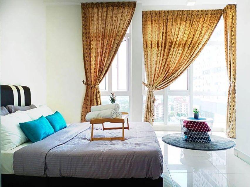 Balcony   Cozy 2Bedroom   5mins To CIQ And KSL