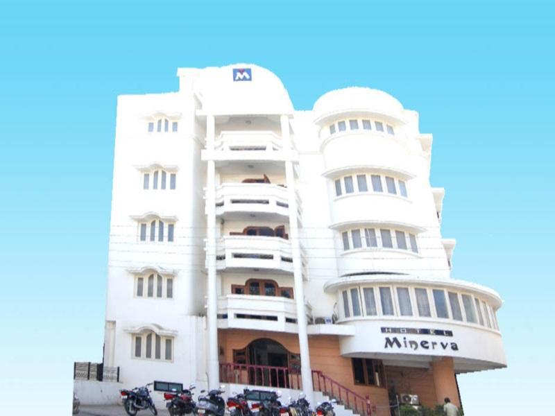 Review Hotel Minerva