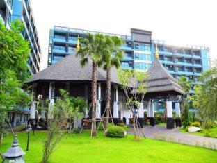Baan Bangsaray Hotel