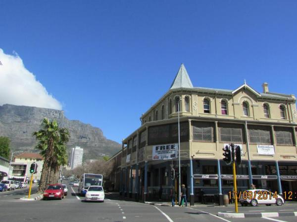Kimberley Backpackers Cape Town
